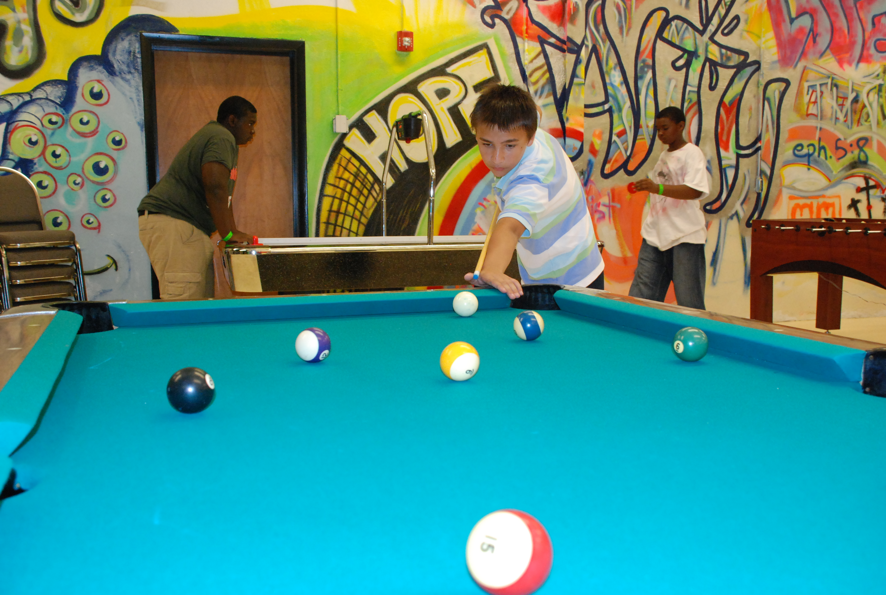 Youth ministry straight street fun faith help hope for Small room youth group games